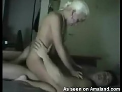 Amateur Blonde Teen Has Her Pink Pussy Sucked And Fucked By Her Lover
