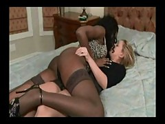 Older Women And Younger Women Kissing Com ...