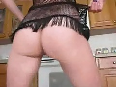 Girlfriend shaking her cute ass