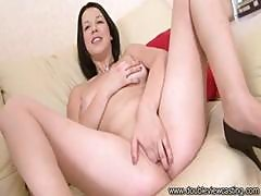 Extravagant Hussy With A Mellow Puss, Evelyn Cage, Scores A Hunk